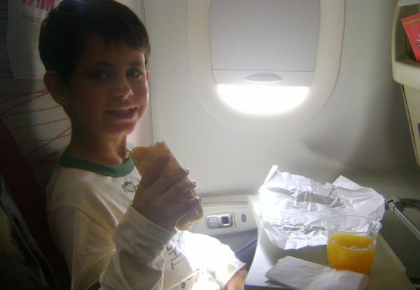 viajar-criancas-documentos-aviao