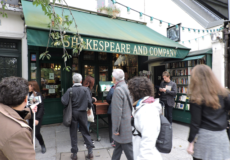 cenarios-de-filmes-em-paris-shakespeare-and-company