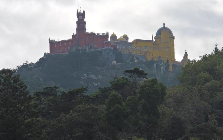 passeios-bate-e-volta-de-lisboa-sintra-portugal-palacio-da-pena