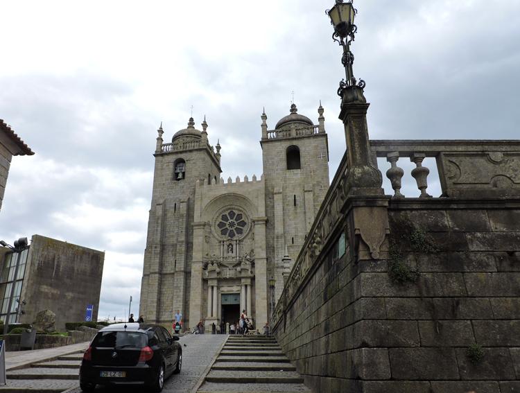 cidade-do-porto-portugal-catedral-da-se