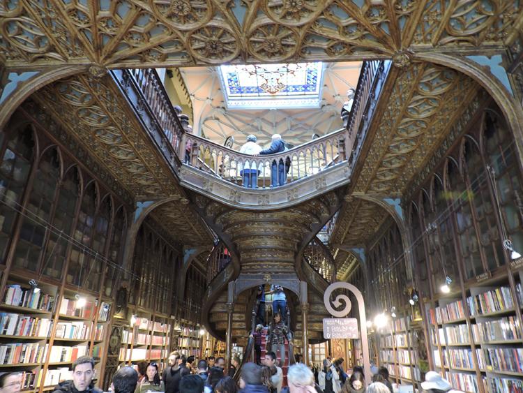 cidade-do-porto-portugal-livraria-lello