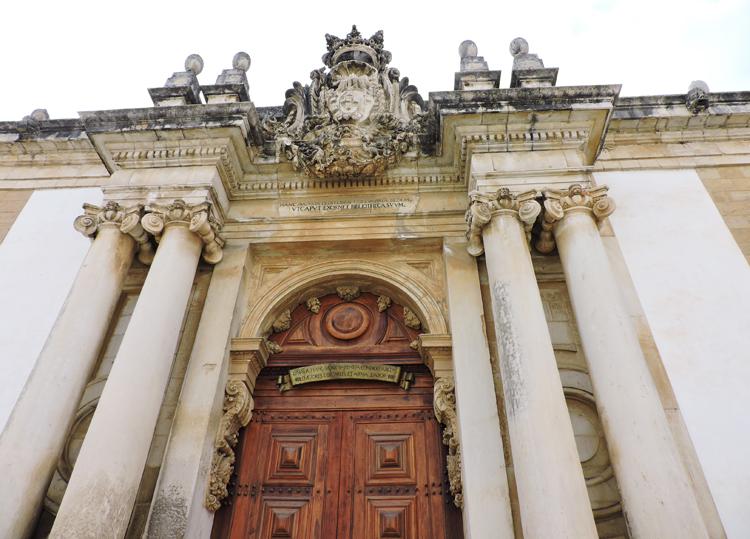 lugares-portugal-literatura-biblioteca-joanina