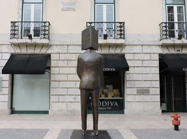 lugares-portugal-literatura-fernando-pessoa-1