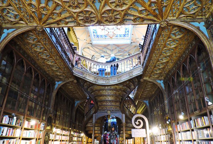 lugares-portugal-literatura-livraria-lello1