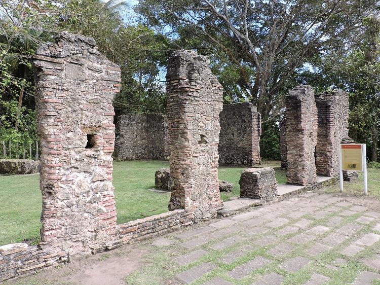 costa-do-descobrimento-ruinas-jesuitas