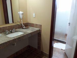 taua-resort-caete-quarto-banheiro