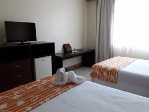 taua-resort-caete-quarto-tv