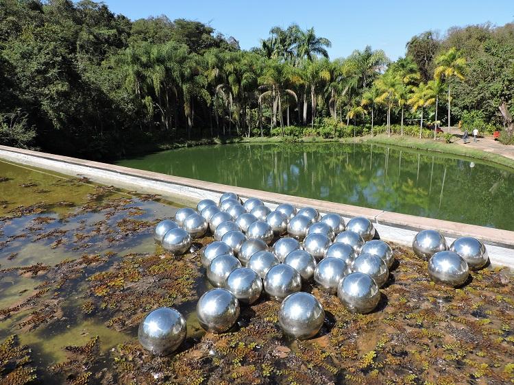 visitar-inhotim-informacoes-obras-esferas