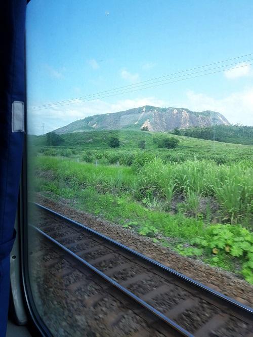viagem-trem-vitoria-minas-paisagem-1