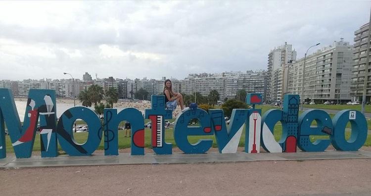 viajar-sozinha-carla-Montevideo