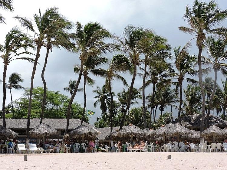 praia-de-cumbuco-fortaleza-coqueiross