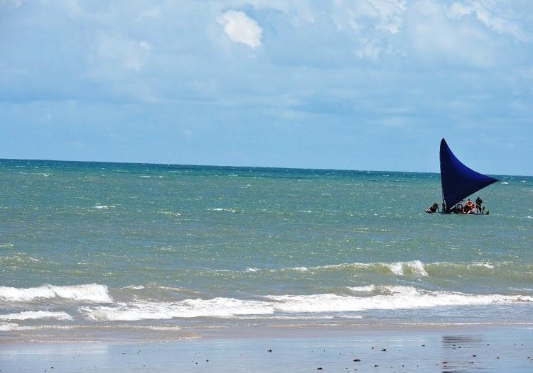 praia-de-cumbuco-fortaleza-mar