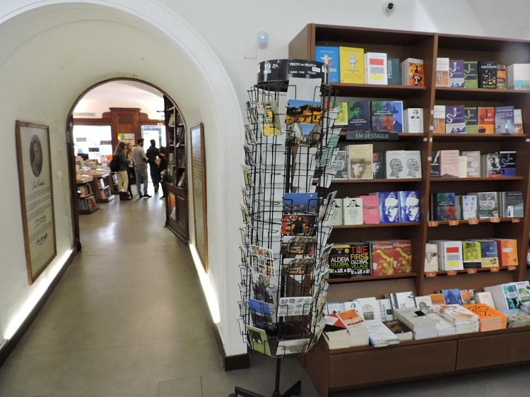 bertrand-lisboa-livraria-mais-antiga-do-mundo2