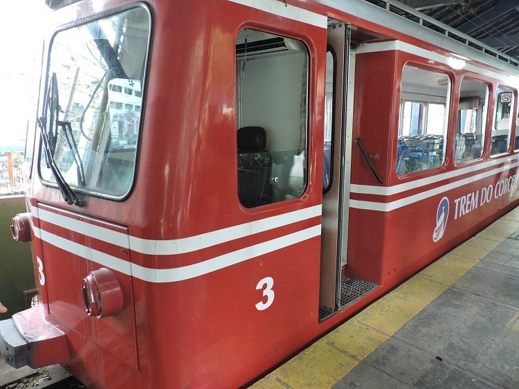 como-ir-cristo-redentor-trem-do-corcovado1