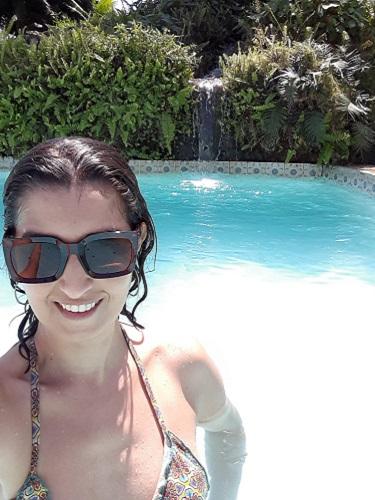 viajando-sozinha-espirito-santo-guarapari-pousada-piscina2