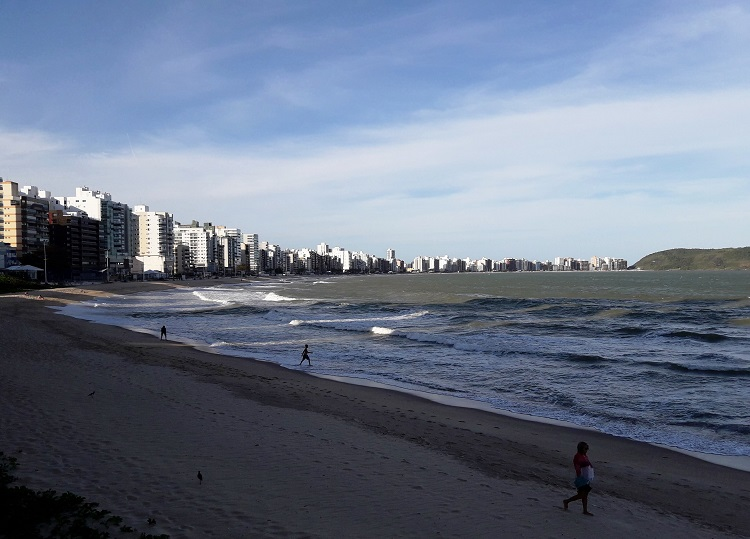viajando-sozinha-espirito-santo-guarapari-praia-do-morro