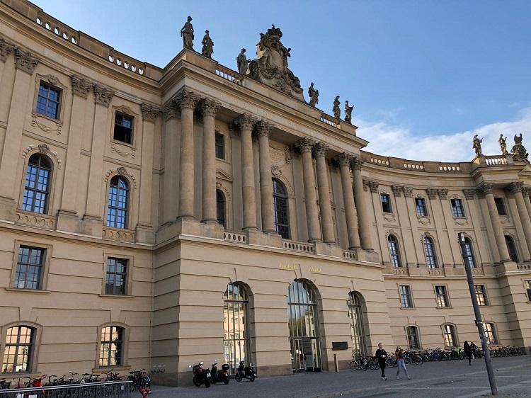 memorial-livros-queimados-bebelplatz-berlim-alemanha-faculdade