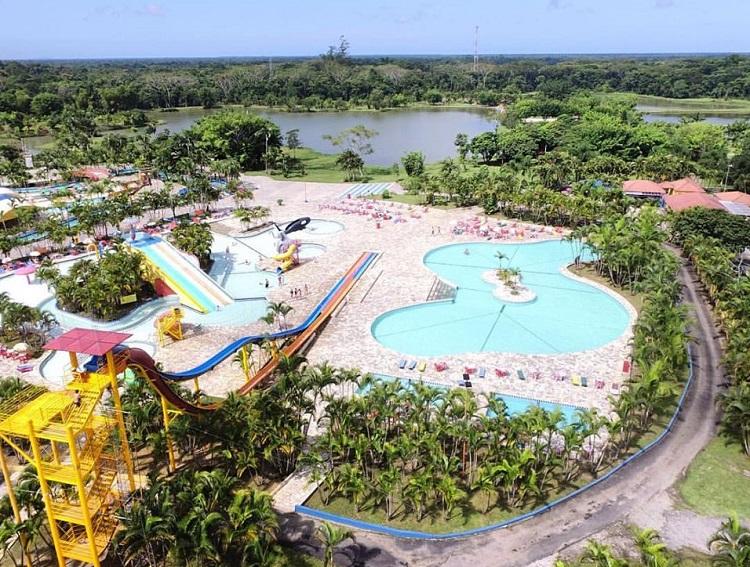 parques-aquaticos-brasil-aguas-claras-parana
