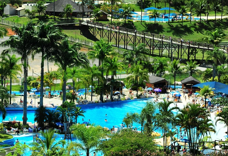 parques-aquaticos-brasil-pirai-rj